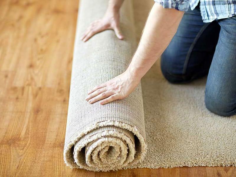 Come conservare i tappeti in estate